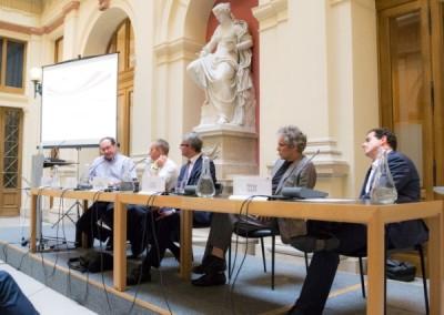 Architekten und Ingenieure, Politik und Öffentlichkeit